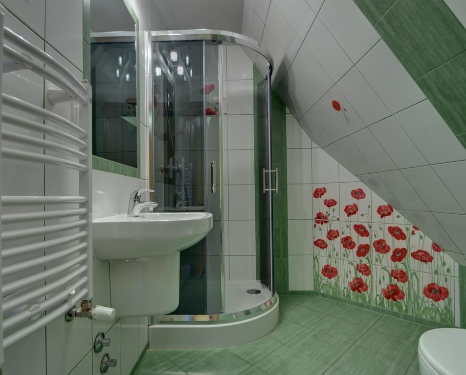 łazienka w pokoju jednoosobowym willa serafin